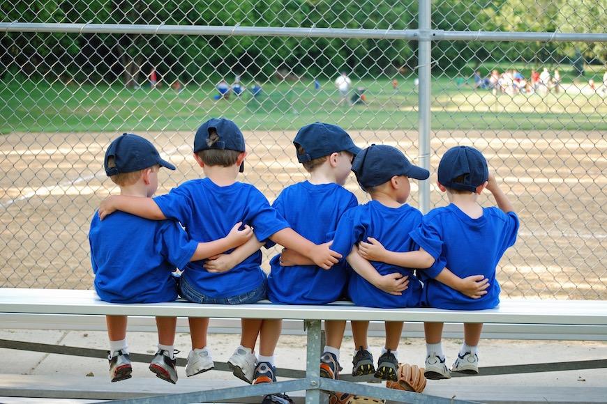 djeca na igralištu