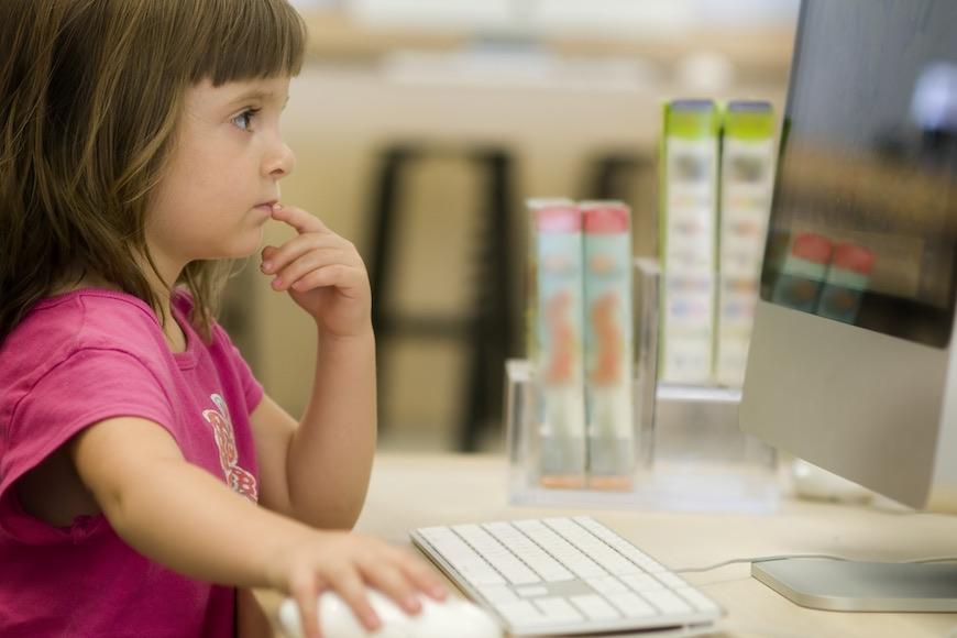 Što je kritička pismenost i kako je razvijati kod djece
